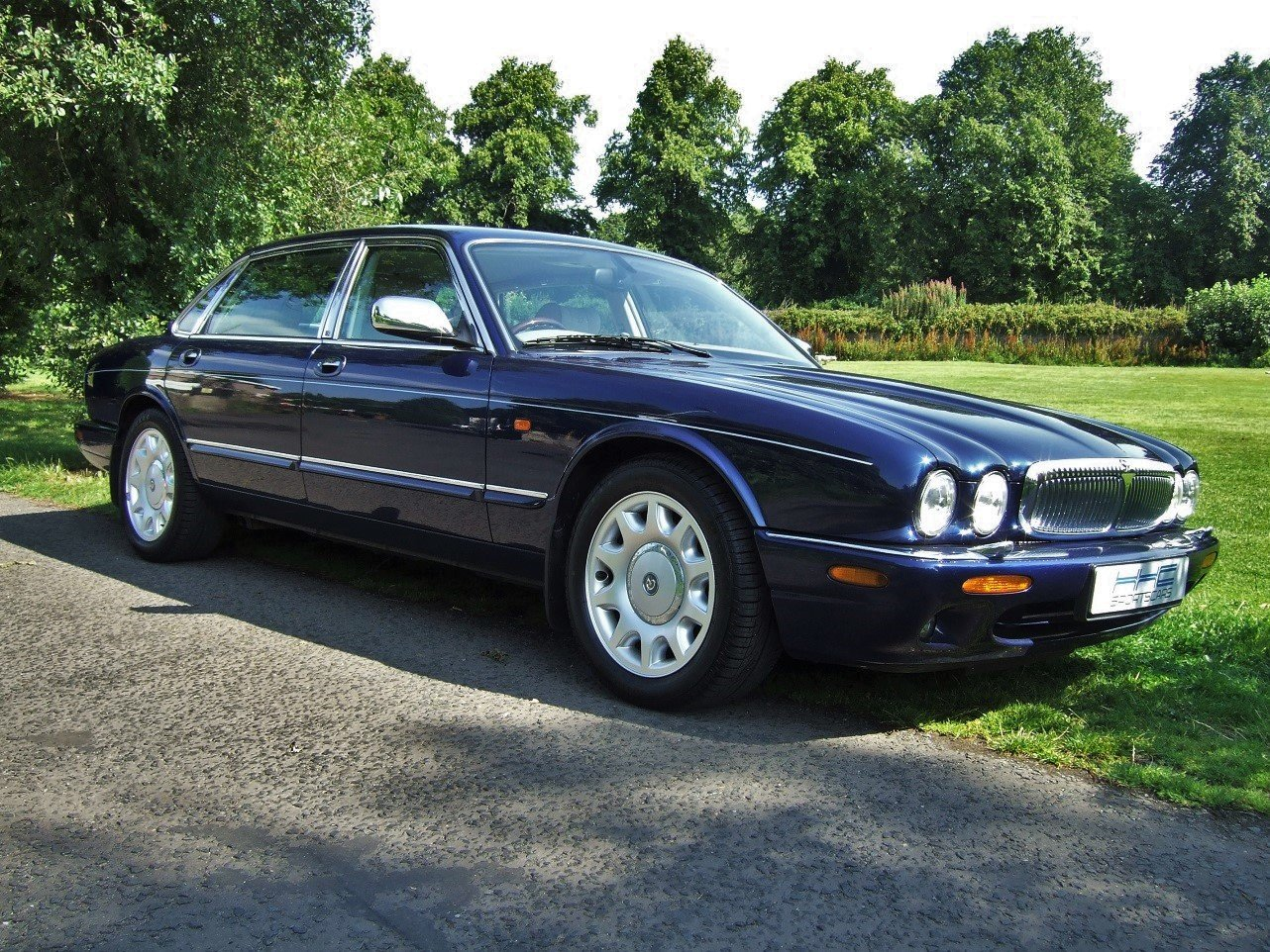 2000 Delightful Daimler! For Sale (picture 1 of 6)