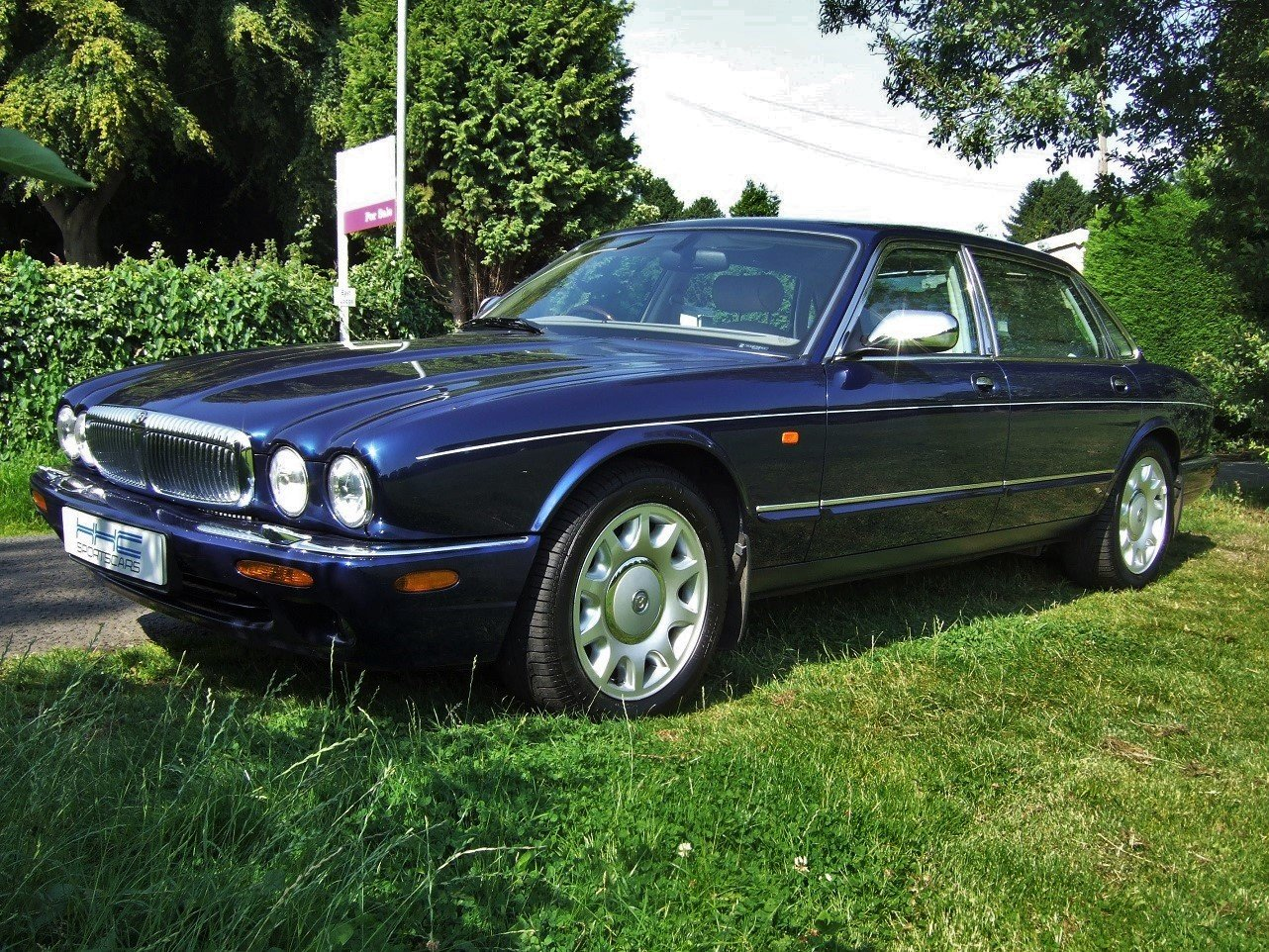 2000 Delightful Daimler! For Sale (picture 2 of 6)