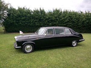 Ex royal / governmental daimler ds420 limousine