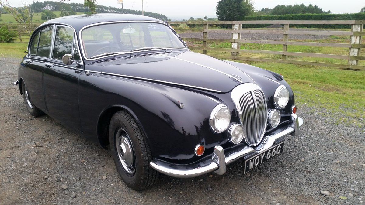 Daimler 250 V8 2.5 Auto 1969 (like Jaguar MK2 ) SOLD (picture 1 of 6)