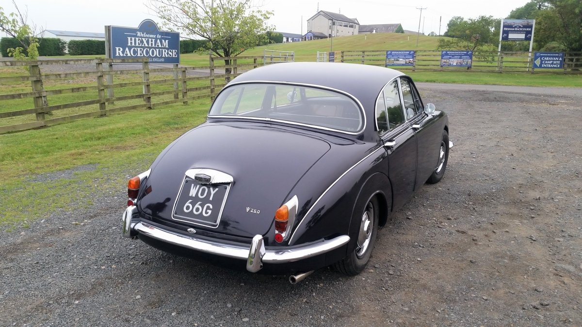 Daimler 250 V8 2.5 Auto 1969 (like Jaguar MK2 ) SOLD (picture 6 of 6)