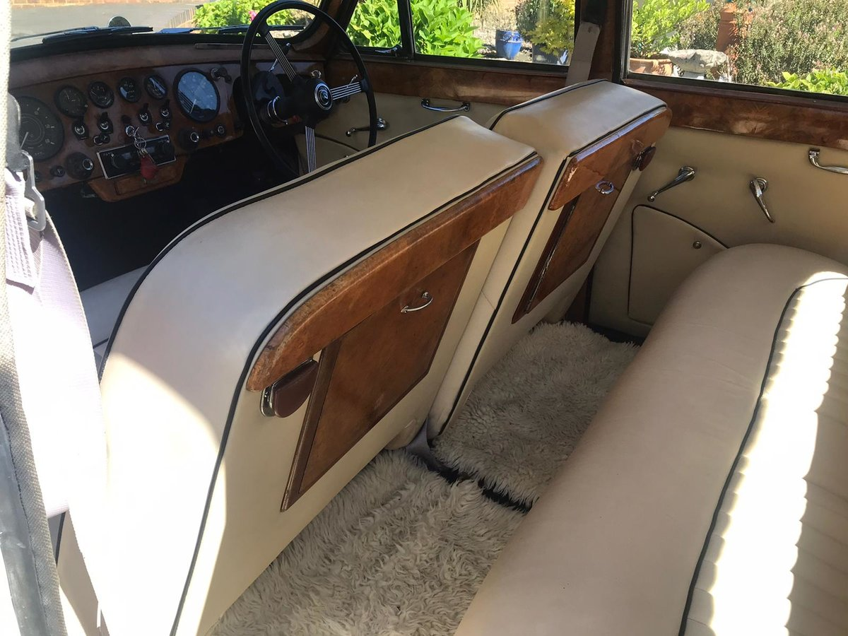 1968 Daimler Majestic  SOLD (picture 4 of 6)