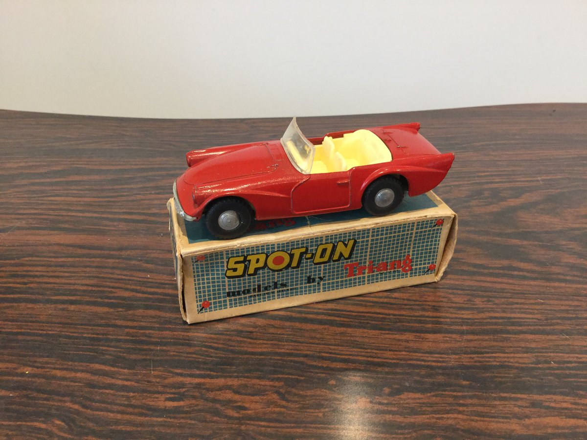 Spot on Daimler dart For Sale (picture 2 of 6)
