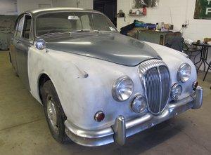 Picture of 1967 Daimler 250 V8