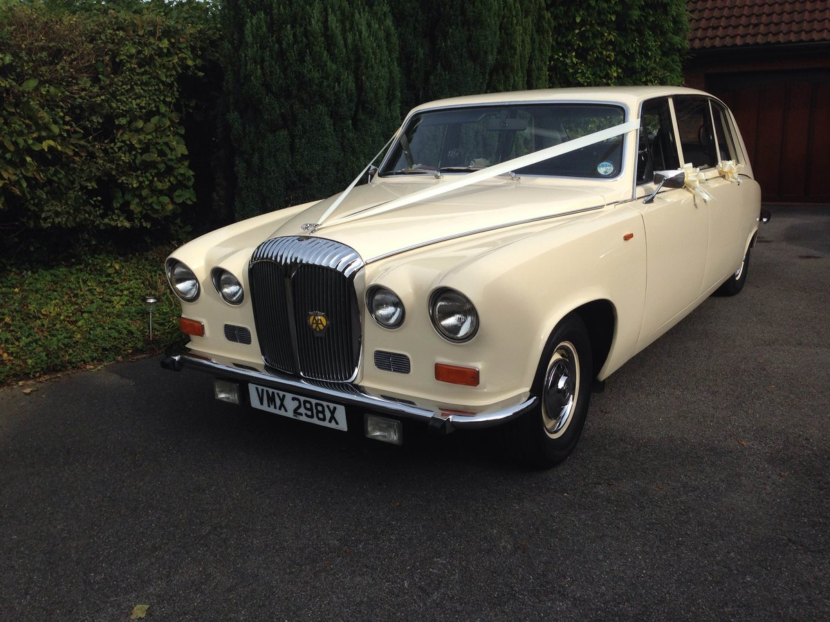 1981 Daimler DS420 Wedding Limo and Beauford For Sale (picture 2 of 4)