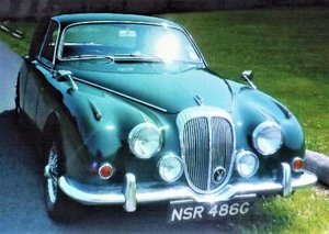 Daimler 250 V8 Auto, Power Steering