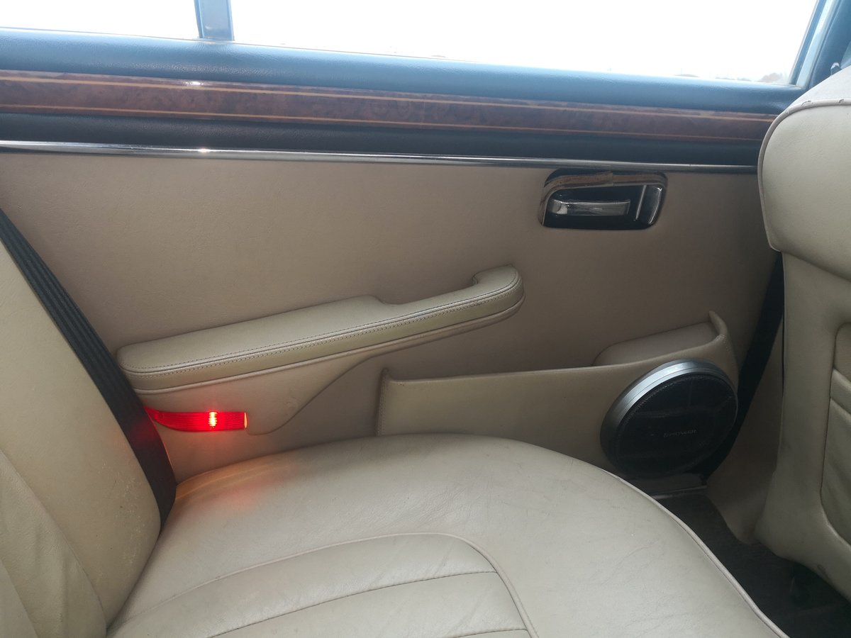1983 Daimler Double Six Vanden Plas For Sale (picture 5 of 5)