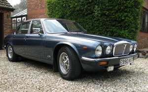 Picture of 1988 Daimler Double Six 5.3 Auto V12