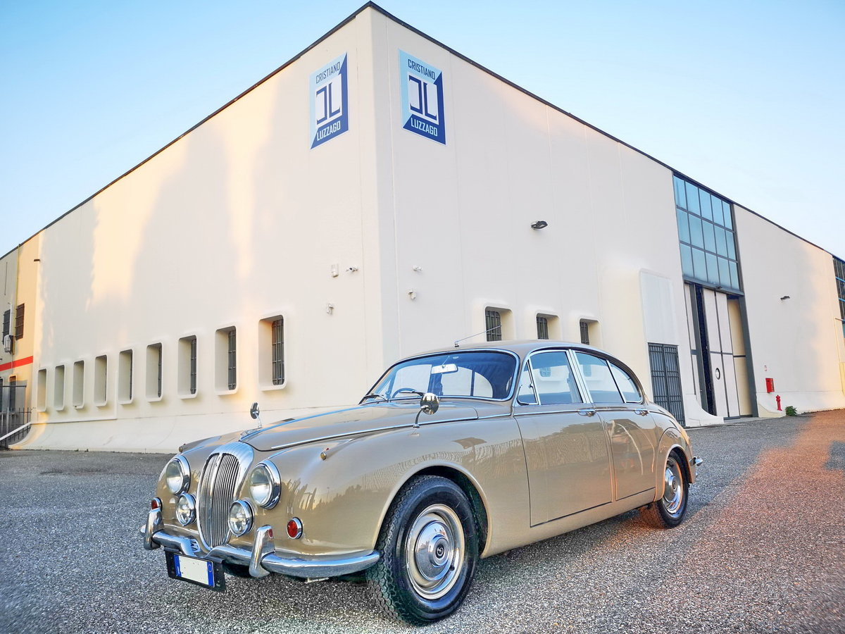 1969 DAIMLER 2500 V8 SALOON RHD EURO 18.900 For Sale (picture 1 of 6)