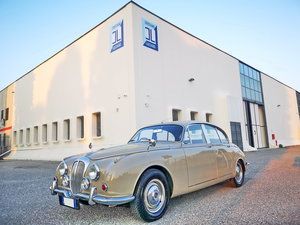 Picture of 1969 DAIMLER 2500 V8 SALOON RHD EURO 18.900
