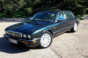 Picture of 1998 DAIMLER SUPER V8 SUPERCHARGED For Sale by Auction