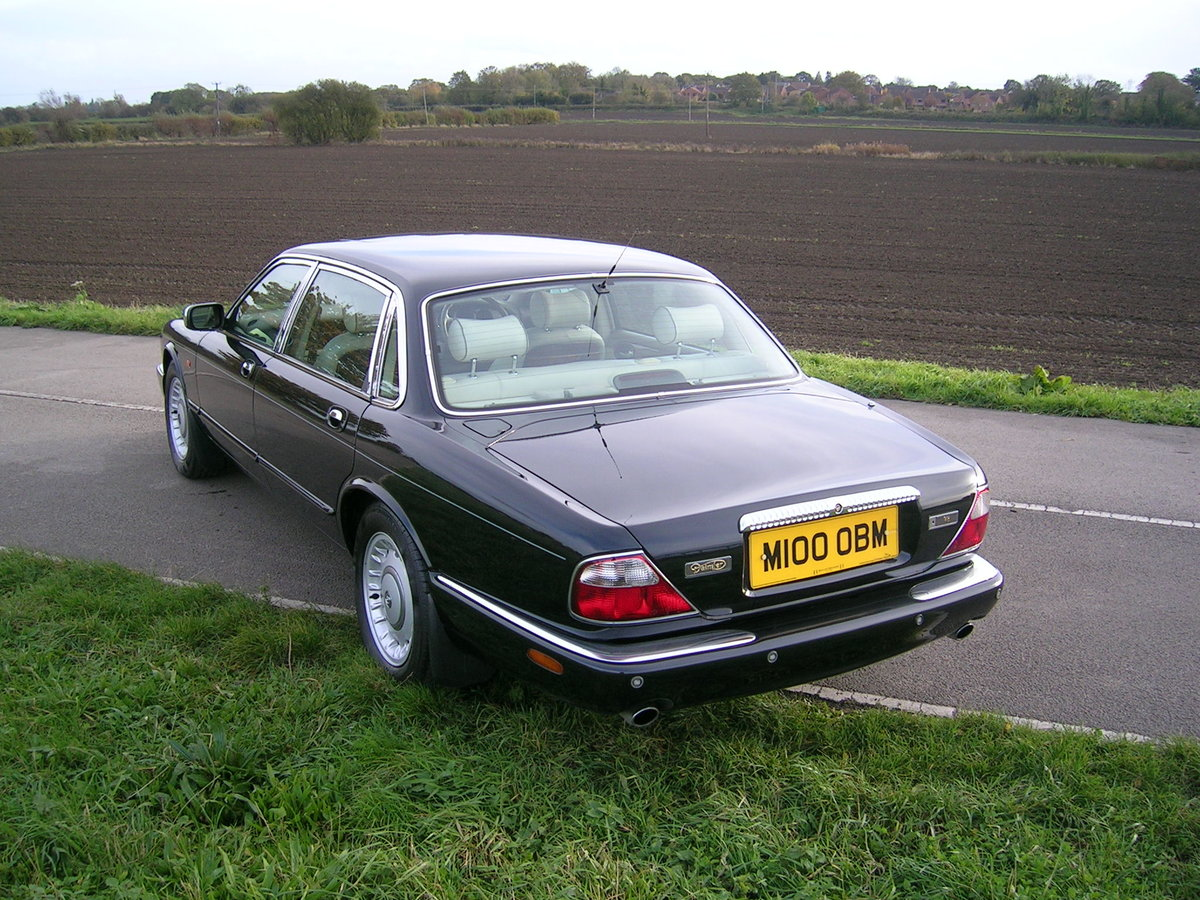 1998 Daimler XJ Series 4.0 V8 Automatic LWB For Sale (picture 3 of 6)