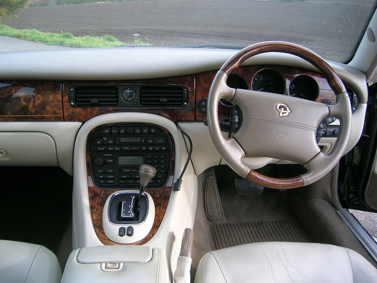 1998 Daimler XJ Series 4.0 V8 Automatic LWB For Sale (picture 6 of 6)