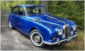 Daimler 250 V8 - Restored & Certified