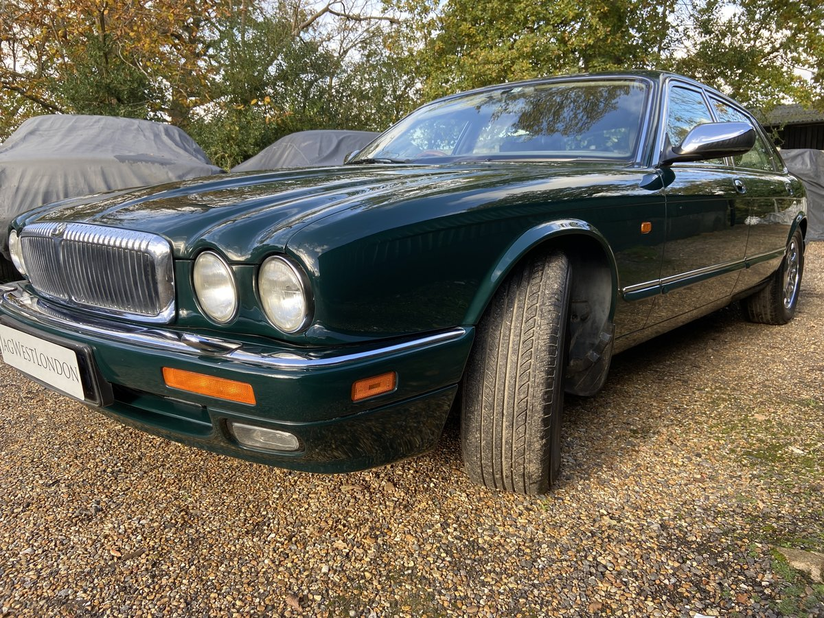 Daimler Double Six Majestic V12  13k  miles  1997 R reg For Sale (picture 2 of 6)