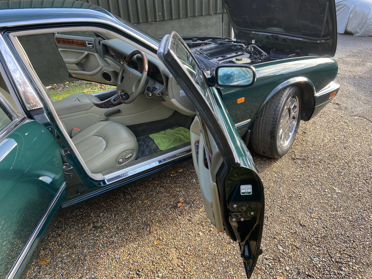 Daimler Double Six Majestic V12  13k  miles  1997 R reg For Sale (picture 4 of 6)