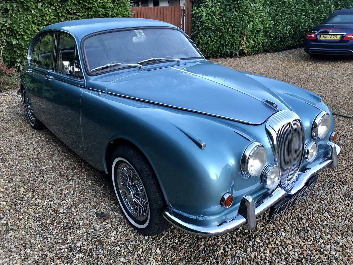 1969 Daimler 250 V8 For Sale (picture 2 of 12)