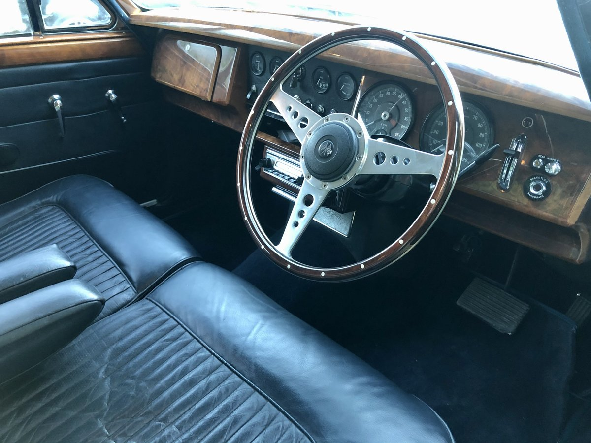 1969 Daimler 250 V8 For Sale (picture 9 of 12)