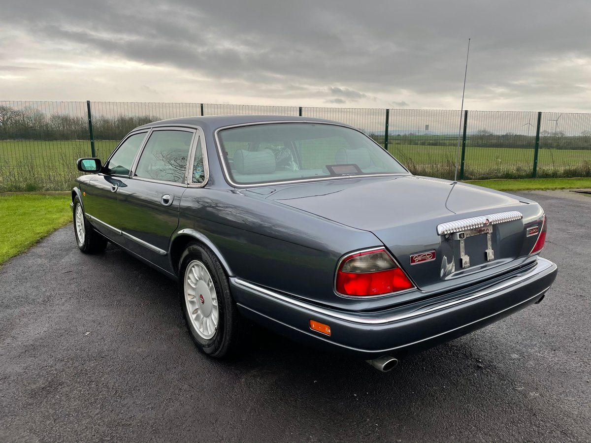 1997 DAIMLER DOUBLE SIX 6.0 V12 AUTOMATIC * SUNROOF * LOW MILES For Sale (picture 2 of 6)