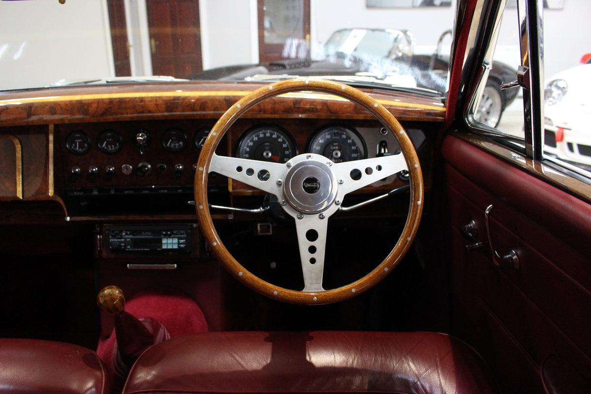 1968 Daimler 250 V8 Manual O/D | £40K Restoration & 1 Owner SOLD (picture 14 of 25)