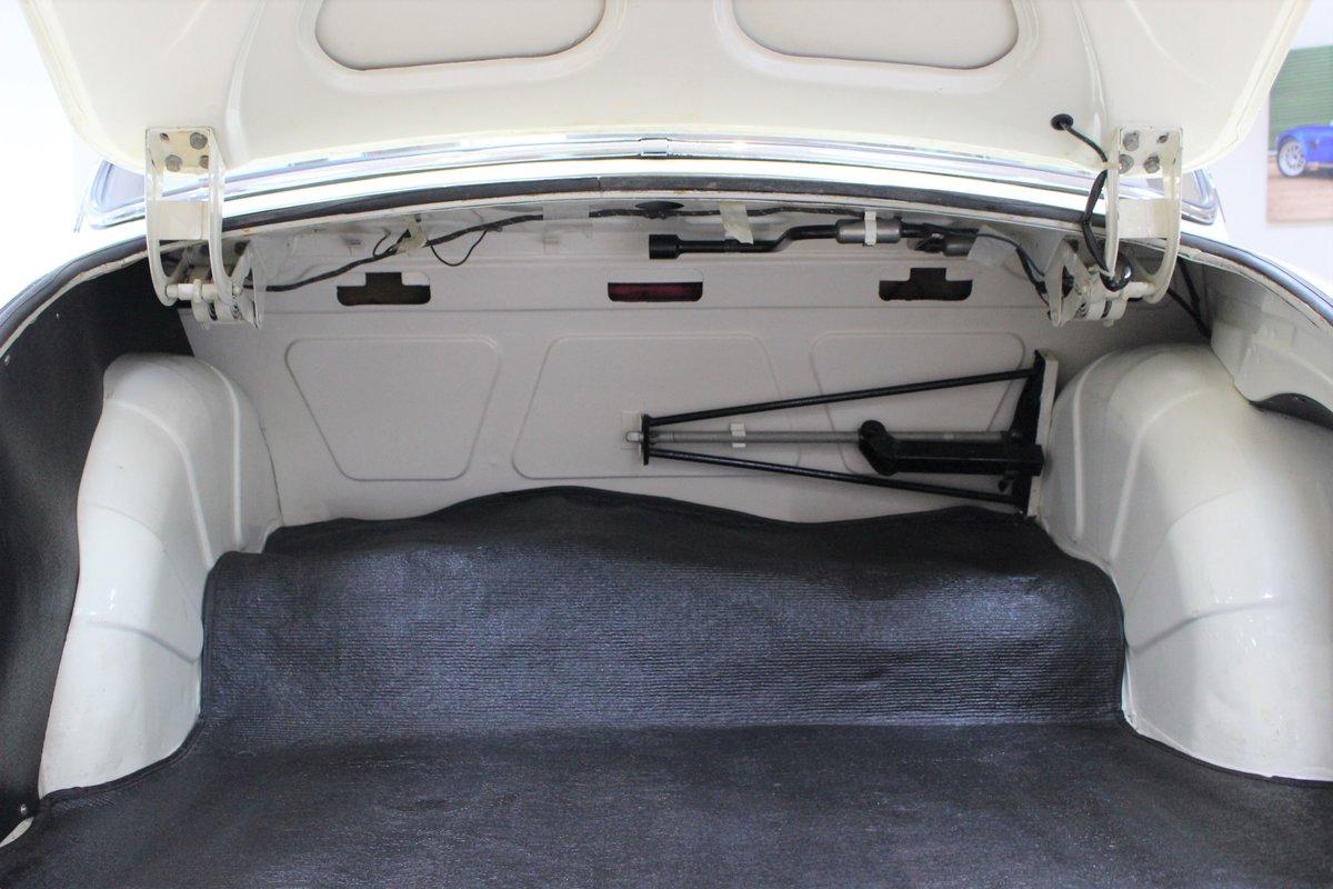 1968 Daimler 250 V8 Manual O/D | £40K Restoration & 1 Owner SOLD (picture 23 of 25)