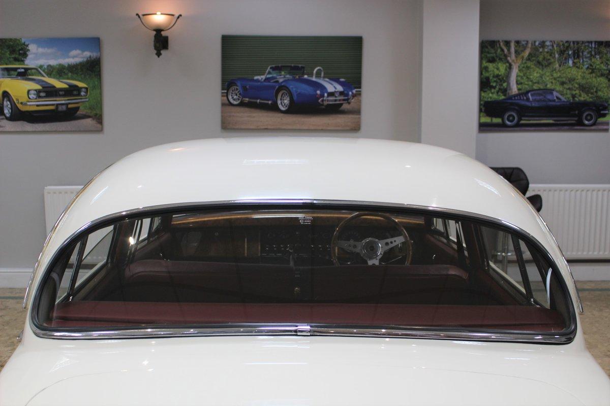 1968 Daimler 250 V8 Manual O/D | £40K Restoration & 1 Owner SOLD (picture 25 of 25)