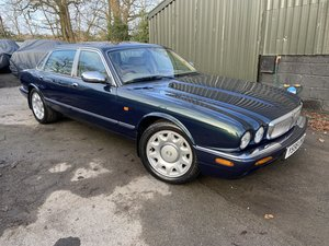 Picture of Daimler Super V8 2001 with 65k miles totally rust free For Sale