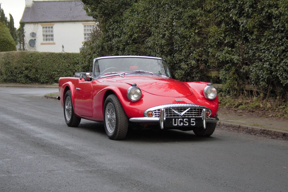 1963 Daimler Dart - Ex Royal Family + Prominent Journalist's Car For Sale (picture 1 of 17)