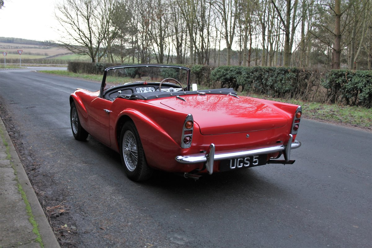 1963 Daimler Dart - Ex Royal Family + Prominent Journalist's Car For Sale (picture 4 of 17)