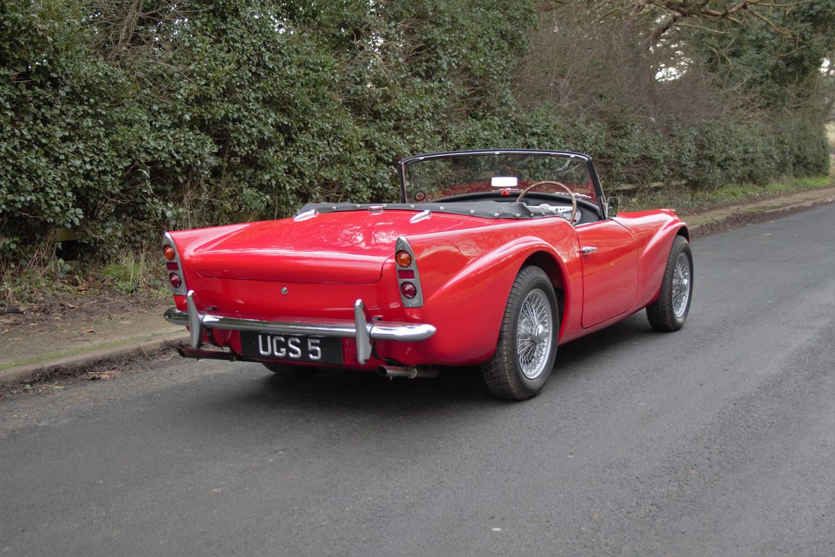 1963 Daimler Dart - Ex Royal Family + Prominent Journalist's Car For Sale (picture 6 of 17)