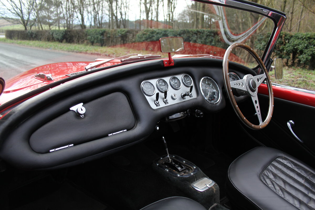 1963 Daimler Dart - Ex Royal Family + Prominent Journalist's Car For Sale (picture 11 of 17)