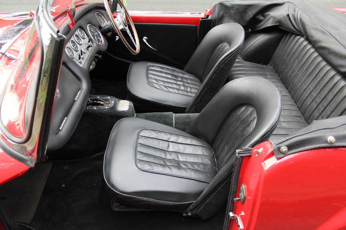1963 Daimler Dart - Ex Royal Family + Prominent Journalist's Car For Sale (picture 12 of 17)