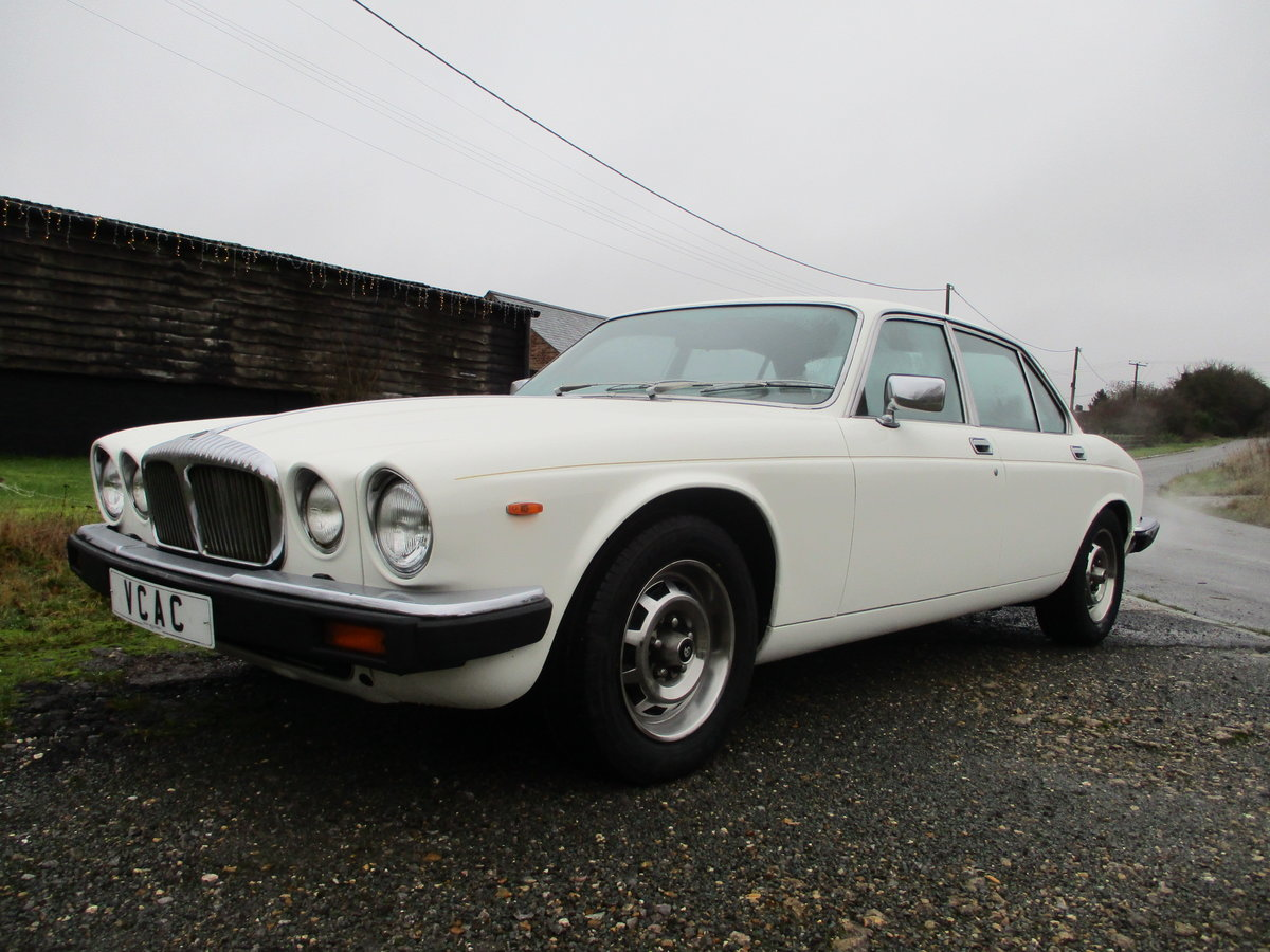 1981 Daimler Sovereign Series three 4.2 Automatic For Sale (picture 2 of 10)