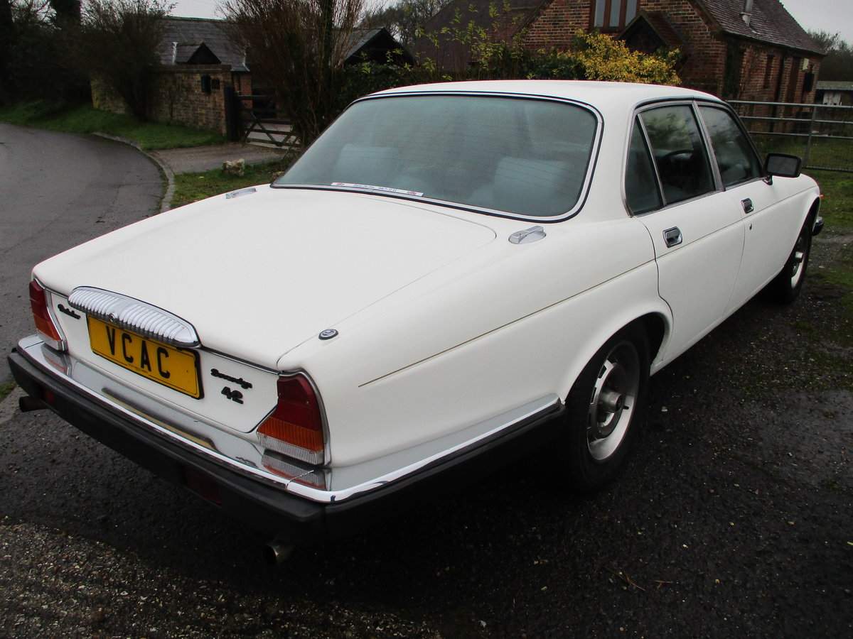 1981 Daimler Sovereign Series three 4.2 Automatic For Sale (picture 6 of 10)