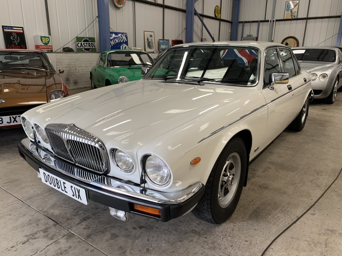 1991 DAIMLER DOUBLE SIX For Sale (picture 2 of 19)