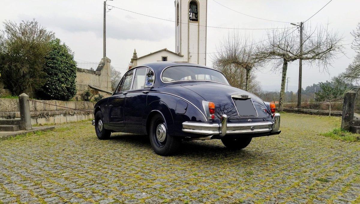 1967 Daimler V8 For Sale (picture 4 of 12)