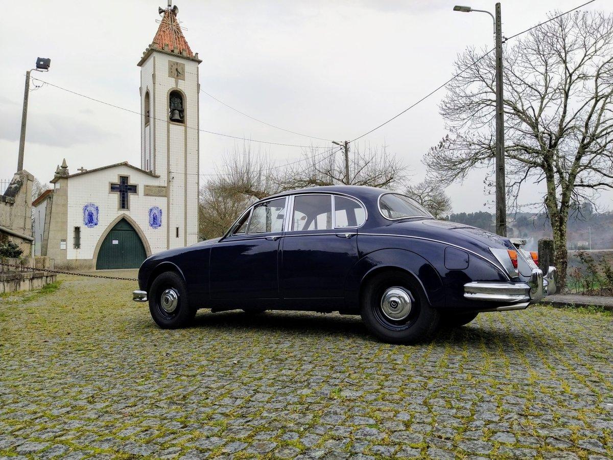 1967 Daimler V8 For Sale (picture 5 of 12)