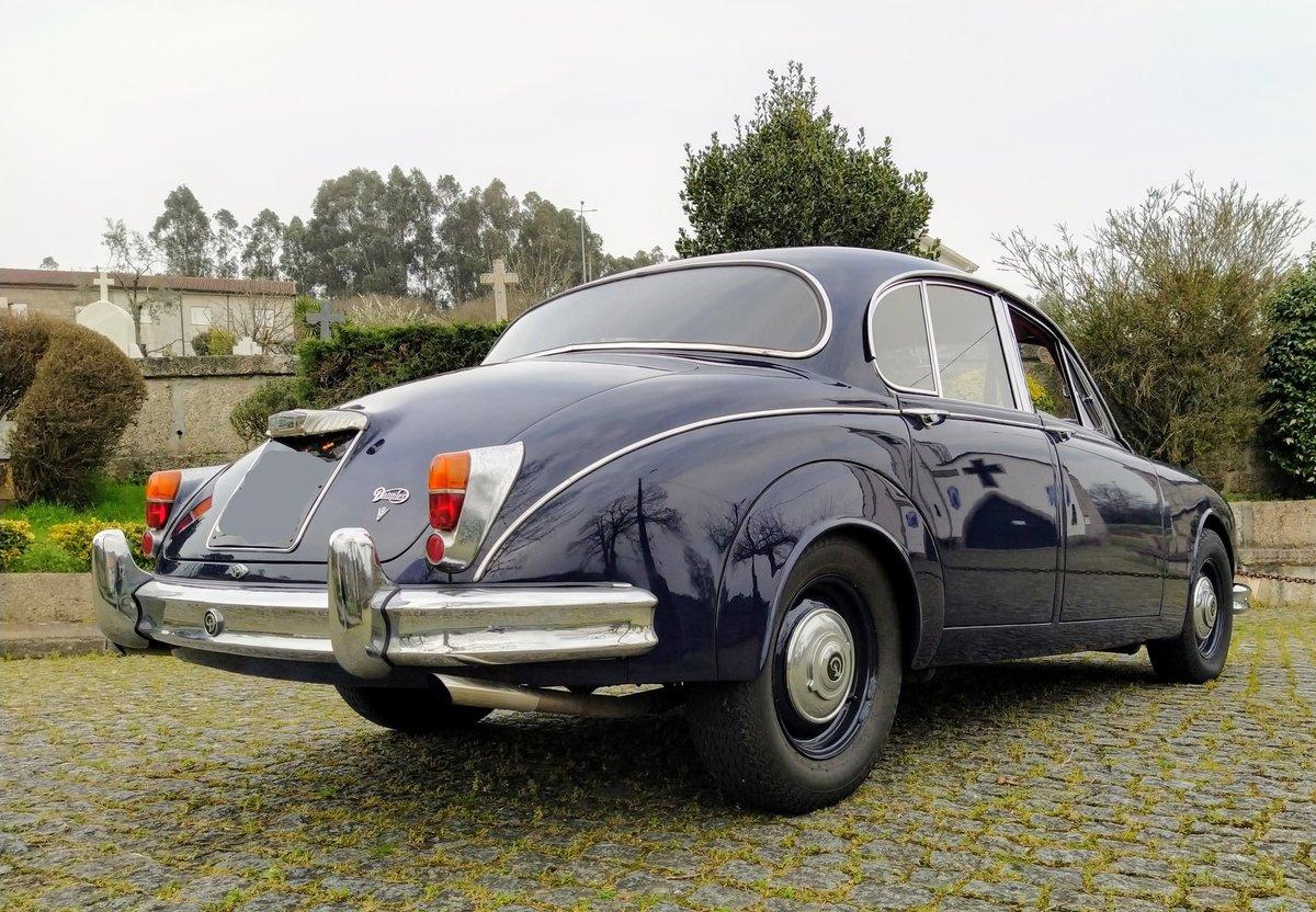 1967 Daimler V8 For Sale (picture 6 of 12)