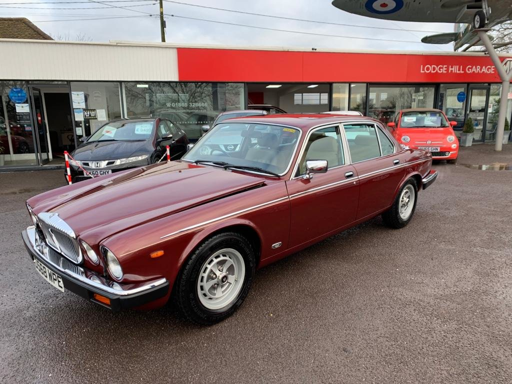 1986 Daimler Sovereign 4.2 Series III for sale For Sale (picture 1 of 12)