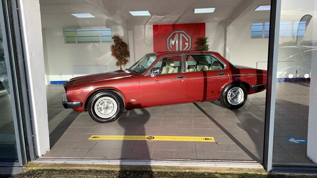 1986 Daimler Sovereign 4.2 Series III for sale For Sale (picture 9 of 12)