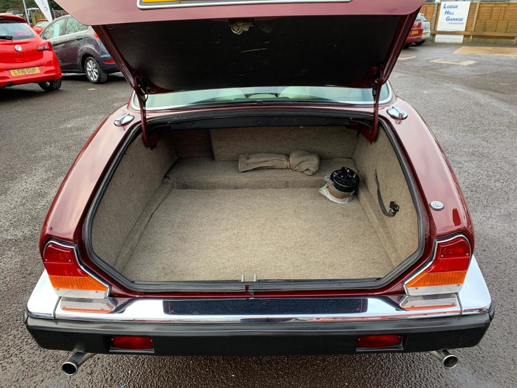 1986 Daimler Sovereign 4.2 Series III for sale For Sale (picture 12 of 12)