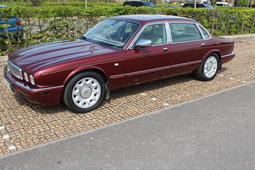 1998 Daimler Super V8 4 seat. 78k with FSH 14k in bills on file For Sale (picture 1 of 6)