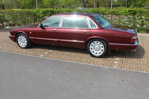 1998 Daimler Super V8 4 seat. 78k with FSH 14k in bills on file For Sale (picture 2 of 6)