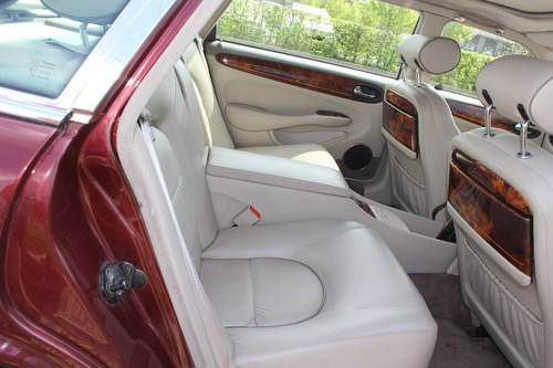 1998 Daimler Super V8 4 seat. 78k with FSH 14k in bills on file For Sale (picture 4 of 6)