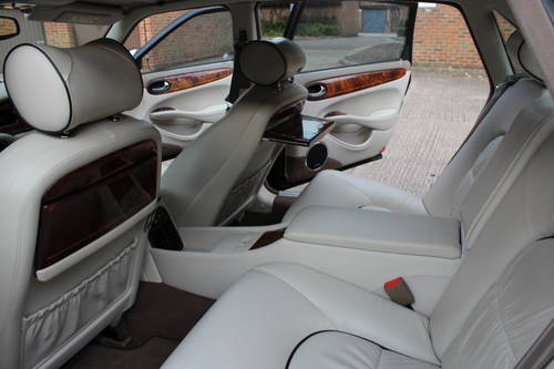 2000 Daimler Supercharged V8 LWB 4 Seater 86k FSH For Sale (picture 5 of 6)