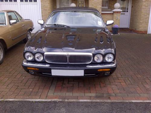 2000 Daimler V8 Ultra rare SWB car with 78k FSH For Sale (picture 4 of 4)