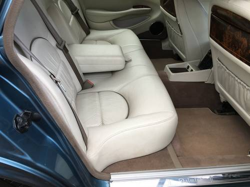 1999 Classic LWB Daimler 4.0 Auto For Sale (picture 6 of 6)