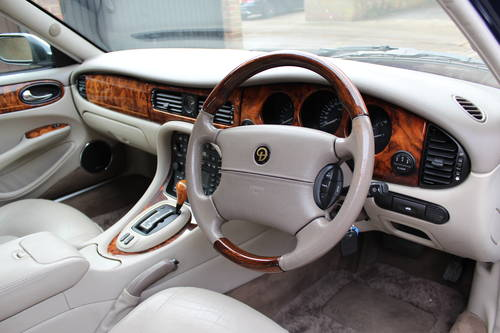 2003  Daimler Super V8  32k miles 'Final Fifty' Production run For Sale (picture 4 of 6)