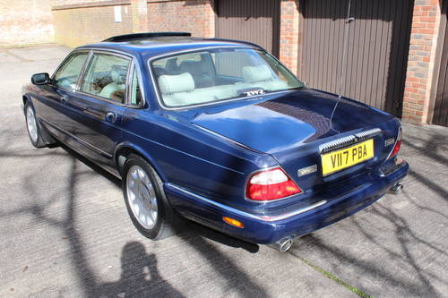 Daimler Super V8 2000 mdl with 86k and FSH - Stunning For Sale (picture 3 of 6)