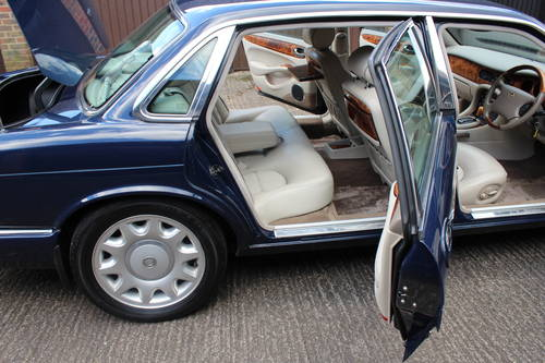 Daimler Super V8 2000 mdl with 86k and FSH - Stunning For Sale (picture 6 of 6)